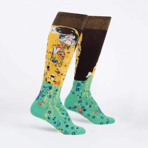 Färgglada och roliga knästrumpor för en häftigare stil köper du online hos Define Me!
