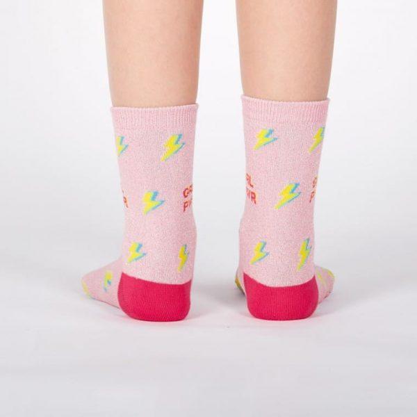 Barnstrumpor med färgglad och rolig design förstärker din outfit! Köp de online idag hos Define Me.