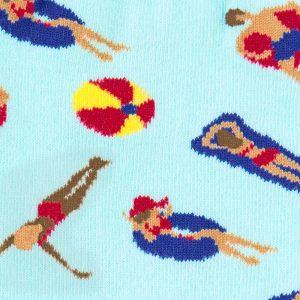 De fräcka designade damstrumporna Pool Party från Sock It To Me är av hög kvalitet och du köper de hos Define me.
